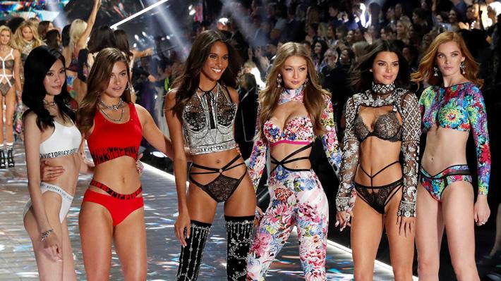 """La polémica respuesta desde Victoria's Secret por ausencia de tallas grandes y trans en desfiles: """"Nadie está interesado"""""""