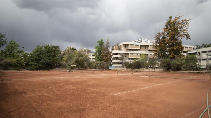 Minvu impulsa proyecto de viviendas para arriendo en canchas de tenis de Cerro Colorado