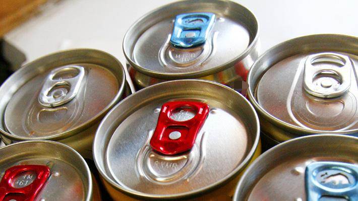 Advierten que el consumo de una sola bebida energética tiene efectos en los vasos sanguíneos
