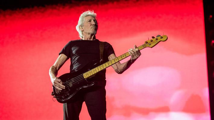 Clásicos de Pink Floyd y chimeneas humeantes marcaron el último show de Roger Waters en el Estadio Nacional