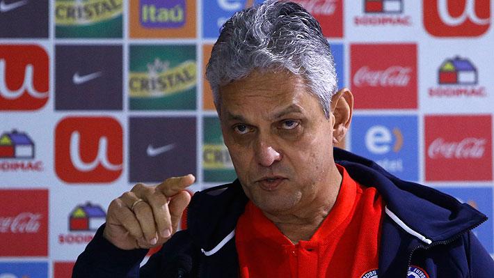 """Rueda da su conferencia más encendida: Defendió a Paredes y dijo que """"si me tengo que ir por alinear a Sagal y Junior, lo haré"""""""