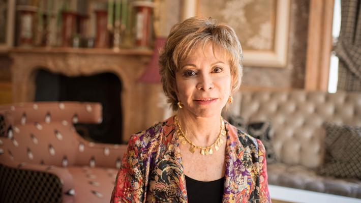 Isabel Allende se convierte en la primera autora de habla hispana en ganar el National Book Award