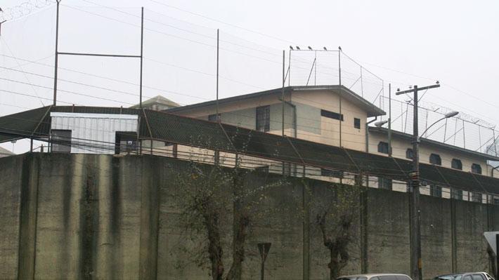 Internos protestan en techo de la cárcel de Temuco en rechazo a la muerte de Catrillanca