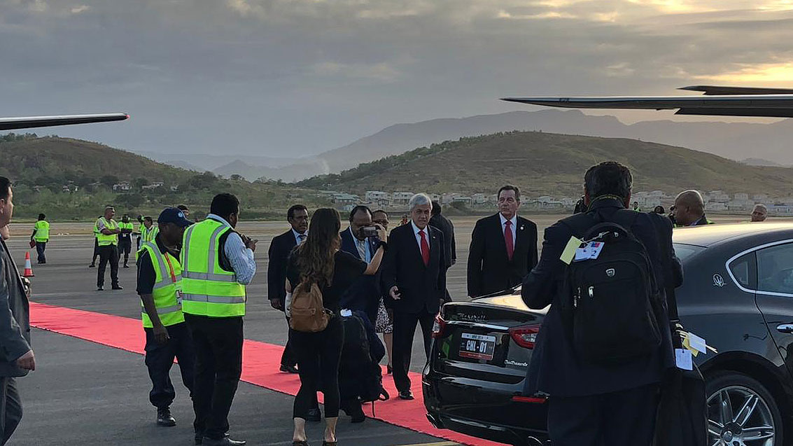 Piñera llega a Papúa Nueva Guinea para el foro de APEC y se alista para recibir la posta de la cumbre