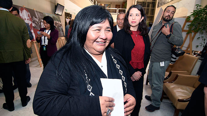 De bajo perfil, pero con carácter fuerte: Emilia Nuyado, la diputada mapuche que enfrentará al ministro Chadwick