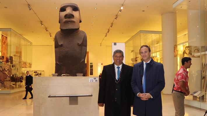 Moái en Londres: Delegación y Museo Británico acuerdan nueva reunión y será en Rapa Nui