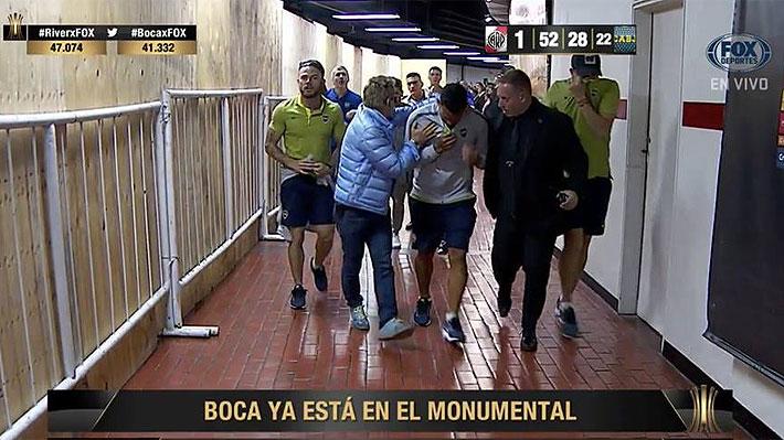 Escándalo en la previa: Bus de Boca es atacado con piedras antes de la final de la Libertadores con River