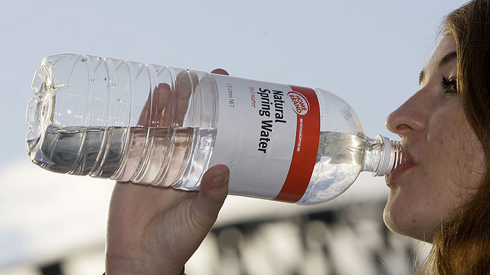 Agua de la llave y menos envases: Alemania le declara la guerra al plástico
