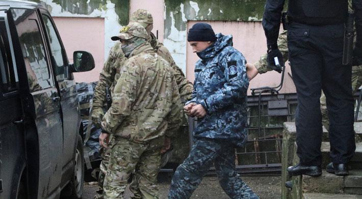 Justicia rusa ordena dos meses de prisión preventiva para tres de los marineros ucranianos