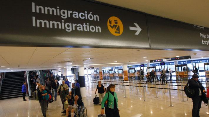 INE: Inmigrantes tienen en promedio 1,6 años más de escolaridad que las personas nacidas en Chile