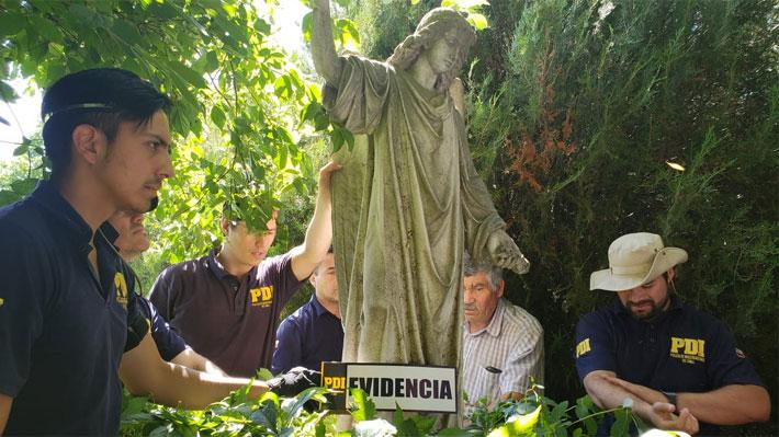 Nueva diligencia en fundo de Schüler: Hallan otras 10 esculturas robadas y fiscalía asegura la existencia de una organización detrás