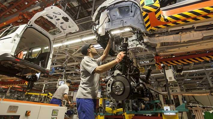 Ford se reestructura en EEUU para aumentar producción de SUV y camionetas