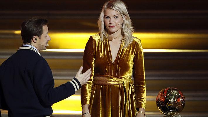 Video: Primera ganadora del Balón de Oro femenino vive incómodo momento ante inapropiada pregunta de presentador