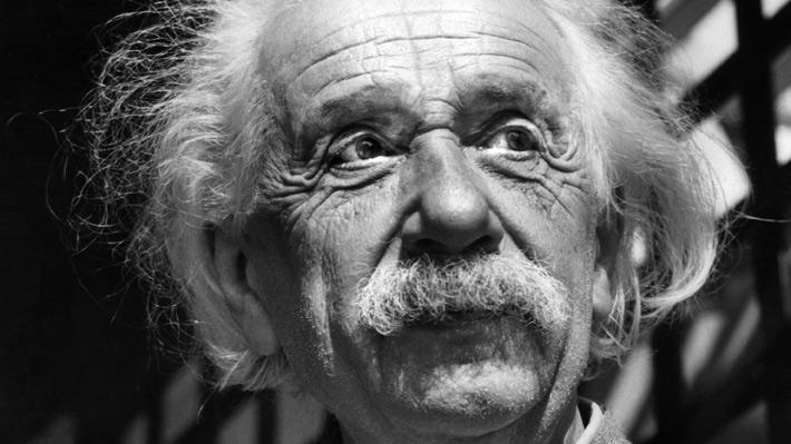 Famosa carta de Einstein sobre Dios es vendida por 2,9 millones de dólares
