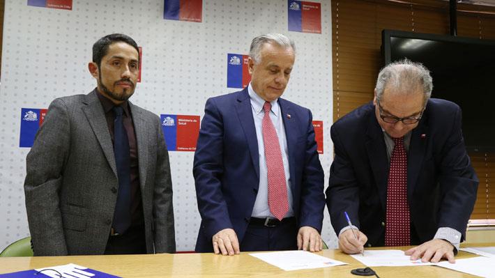 Subsecretario Castillo nuevamente en la mira: Tensa relación con el ministro Santelices se suma a la presión de la DC