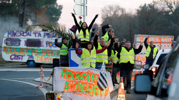 Los partidos de izquierda anuncian moción de censura contra Gobierno francés