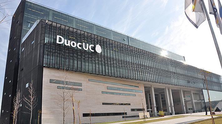 Duoc UC ofreció al Mineduc recibir a parte de los alumnos de la Universidad del Pacífico