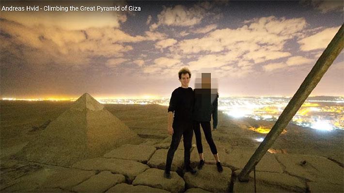 """Habla el fotógrafo que escandalizó a Egipto con desnudo en pirámide: """"Era una pose para la foto"""""""