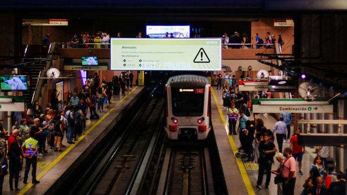 """Metro inaugura """"Estaciones Digitales"""", una nueva plataforma para comunicar a usuarios el estado del servicio"""