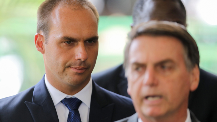 Reuniones con el ministro de Hacienda y el Consejo para la Transparencia: La agenda del hijo de Bolsonaro en Chile