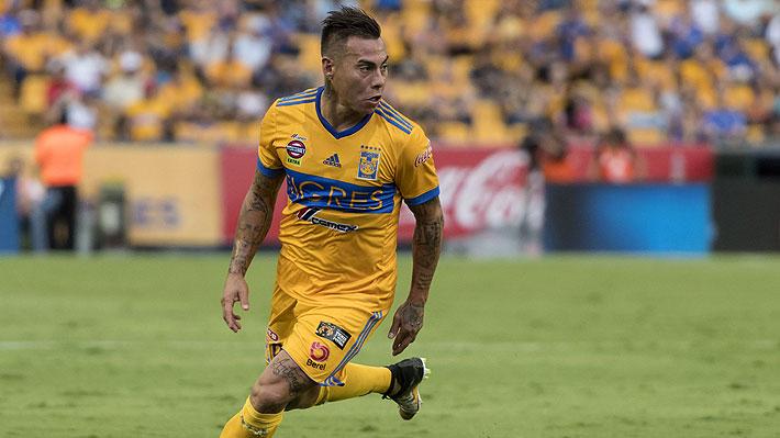 Eduardo Vargas manejaría dos ofertas para cambiar de club y una de ellas sería del Santos de Sampaoli