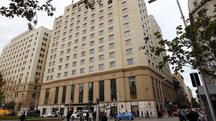 Cancillería separa de sus cargos a cónsules investigados por tráfico ilegal de inmigrantes