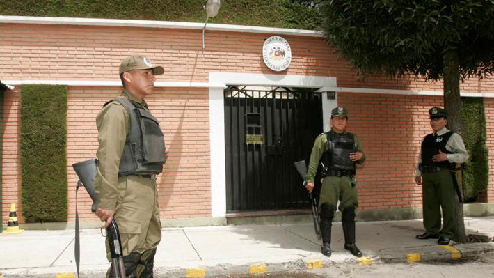 Radiografía a los cónsules de Chile: Cuántos componen la red diplomática y cuál es su remuneración