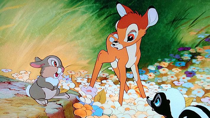 """Condenan en EE.UU. a un cazador furtivo a ver """"Bambi"""" al menos una vez al mes durante su sentencia"""