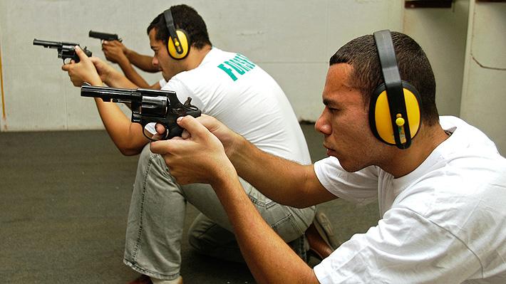 Debate sobre tenencia de armas se toma Brasil a días de la asunción de Bolsonaro