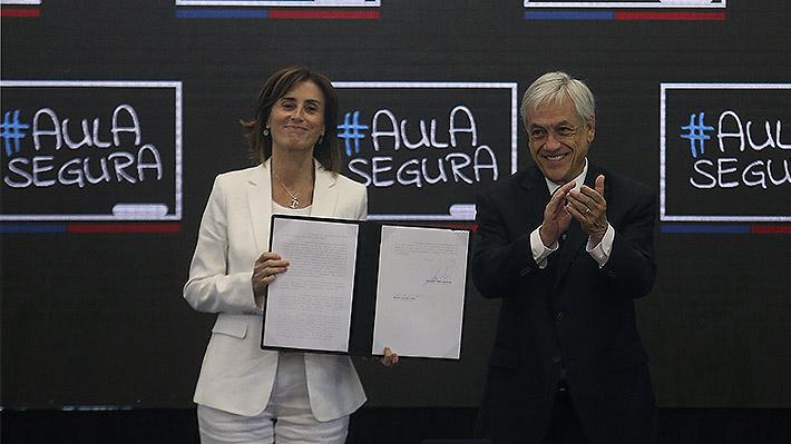 """Piñera promulga Ley """"Aula Segura"""": """"No queremos a los violentistas en nuestras aulas ni en ningún rincón del país"""""""