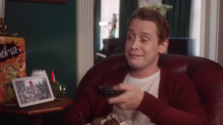 """Macaulay Culkin recrea icónicas escenas de """"Mi pobre angelito"""" a 27 años del estreno"""