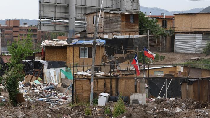 Catastro oficial: Número de campamentos aumenta en 165 unidades desde 2011 y llega a 822 en todo el país