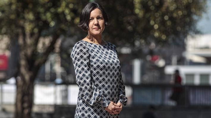 Del abrupto fin de su carrera parlamentaria al intento de liderar RD: El regreso de Javiera Parada