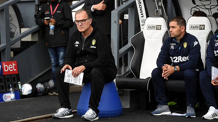 Se acabó la racha: El Leeds de Bielsa pierde en el último partido del año, pero sigue líder del ascenso inglés