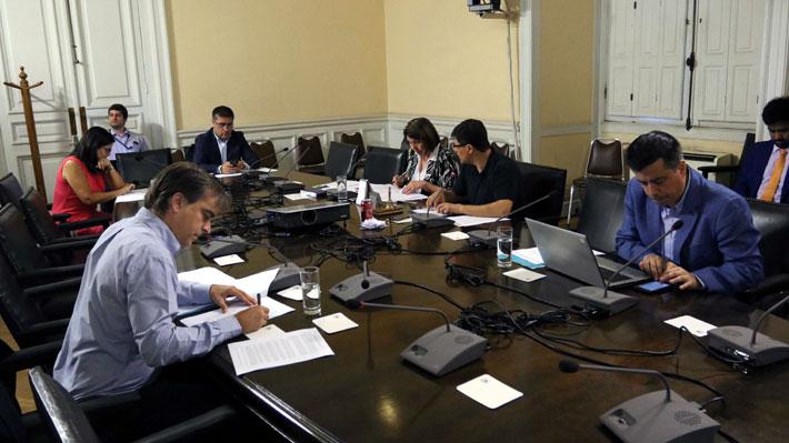 Comisión investigadora de TVN sesiona por penúltima vez con cinco diputados: Informe se votará el miércoles