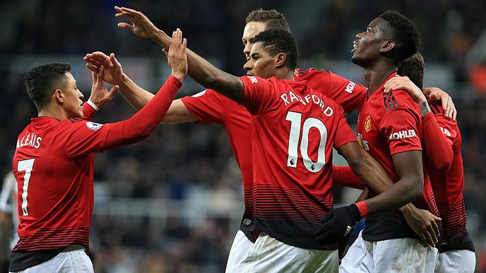 Alexis vuelve a jugar, da una asistencia y el United consigue su cuarta victoria seguida