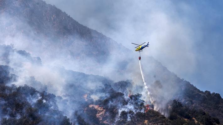 Conaf indaga intencionalidad en incendios en cerro Manquehue: ya van cuatro esta temporada
