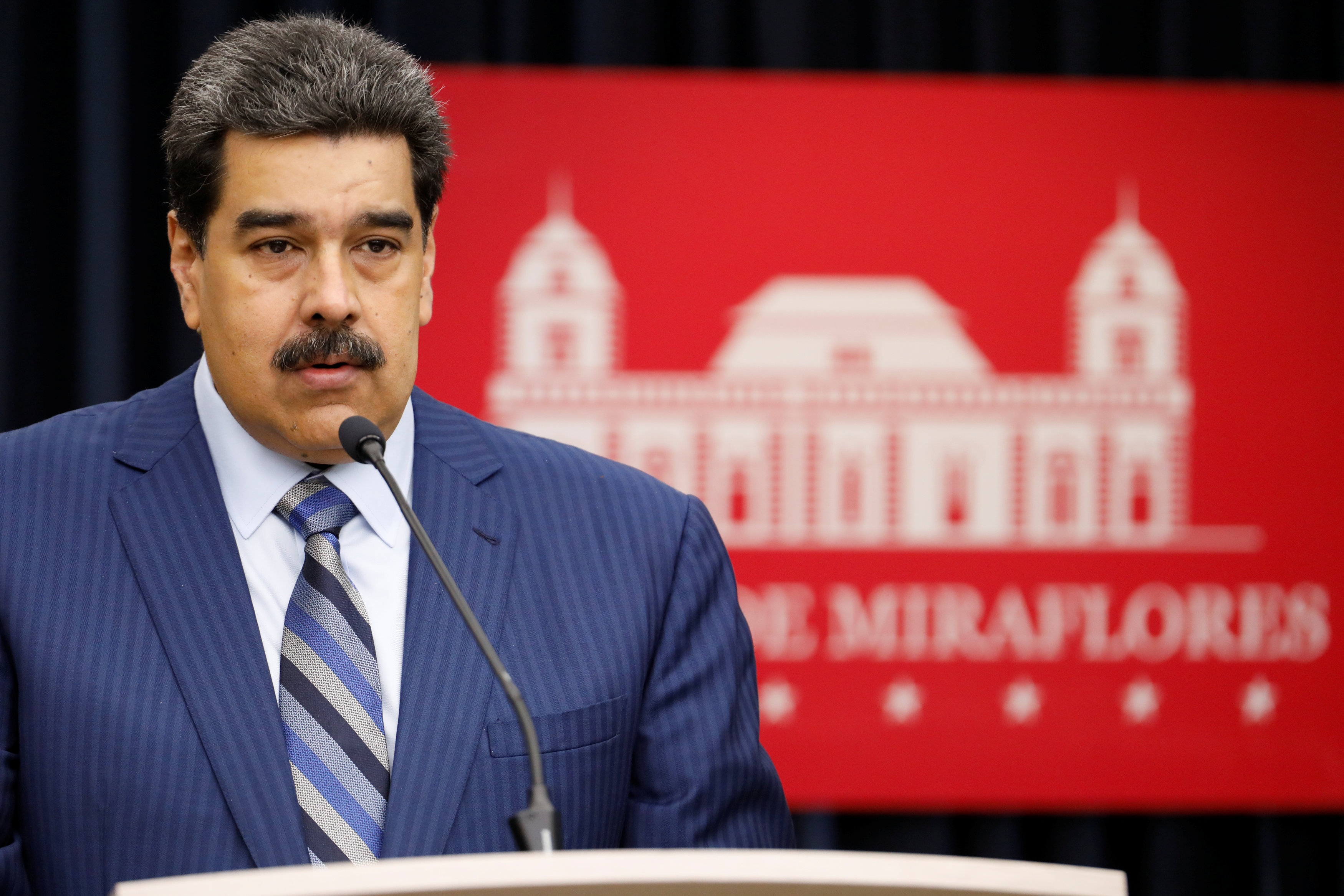 Exportaciones de petróleo venezolano caen a su menor nivel en casi 30 años