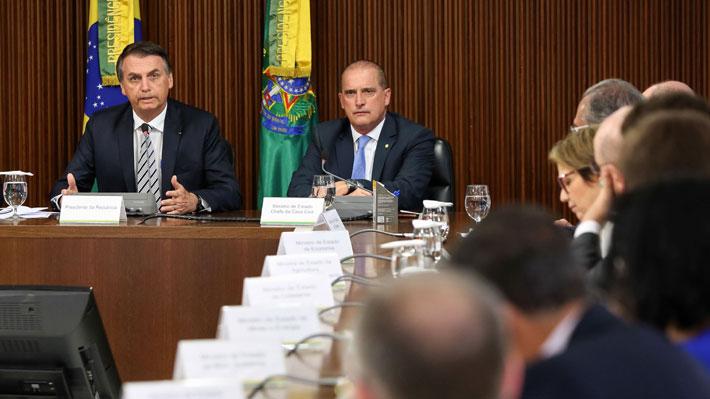 """Brasil: Gobierno de Bolsonaro destituirá a los funcionarios que tengan ideas """"comunistas"""""""