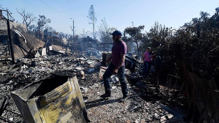 Contienen incendio en Limache: Unas 60 casas afectadas y al menos 250 damnificados