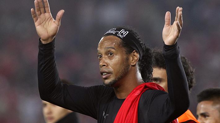 """Los problemas de Ronaldinho continúan y ahora le prohíben abandonar Brasil: """"Se mofa de la justicia ante el mundo"""""""