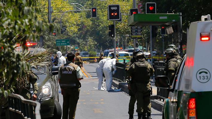 Explosión en paradero del Transantiago deja cuatro heridos y moviliza a personal del Gope