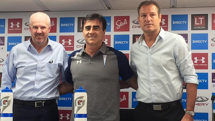 """Quinteros fue presentado en la UC, confirmó que llegarán """"varios"""" refuerzos y trazó objetivos"""