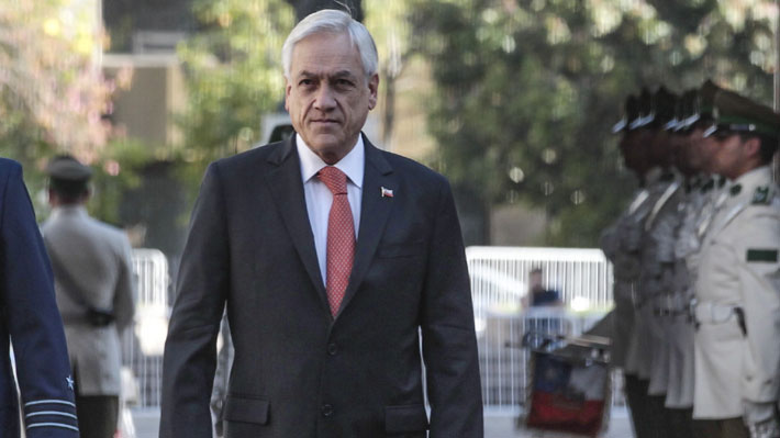 """Piñera condena explosión que dejó cinco heridos y afirma que """"la violencia nunca será una vía al diálogo"""""""