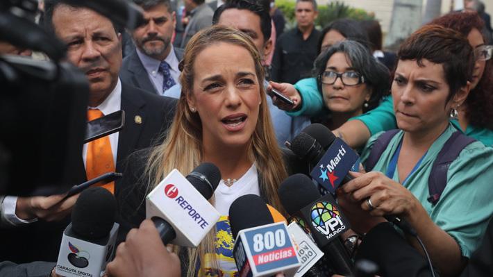 """Lilian Tintori llama a Bachelet a """"ver las dos caras de la moneda"""" en su visita a Venezuela"""