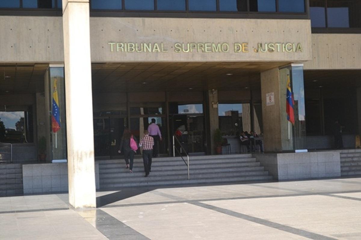 Magistrado del máximo tribunal huyó de Venezuela: Corte asegura que busca evadir investigación por delitos sexuales