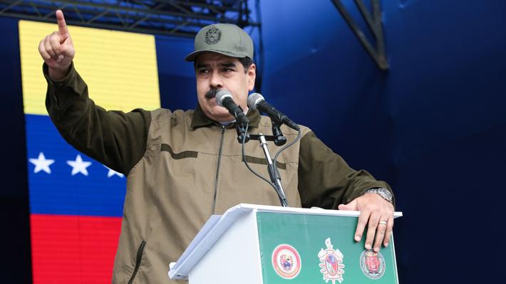 """Maduro arremete ante cuestionamientos: """"La legitimidad nos la ha dado el pueblo con su voto"""""""