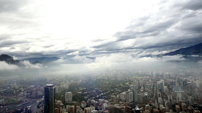 Meteorología pronostica chubascos y posibles tormentas eléctricas en sector cordillerano de la Región Metropolitana