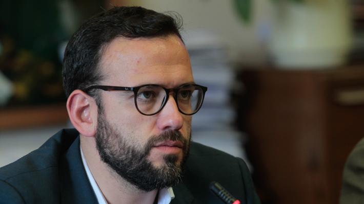 """Presidente de la comisión de RR.EE. de la Cámara pide """"cambiar"""" mecanismo de designación de agregados comerciales"""
