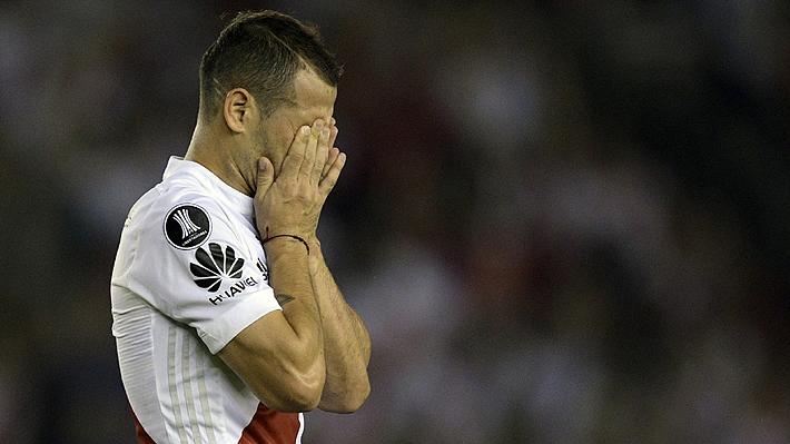 """El calvario que vivió un ex jugador de la U por una enfermedad que lo obligó a retirarse con 31 años: """"El dolor es constante"""""""